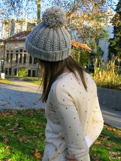 Espacio Crochet: Gorro con pompón Knitted Hats, Knitting Patterns, Winter Hats, Crafty, Sewing, Clothes, Interior, Fashion, Knit Mittens