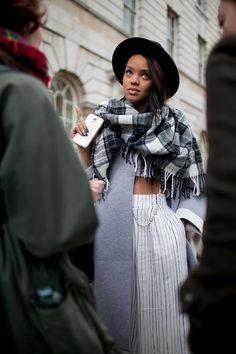 2015 FW London Fashion Week. 鬼靈精怪的2015秋冬倫敦時裝周場外街拍直擊 Part 1! | Popbee - 線上時尚生活雜誌