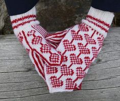Mittens Pattern, Knit Mittens, Mitten Gloves, Knitting Socks, Icelandic Sweaters, Arm Warmers, Free Pattern, Knitting Patterns, Diy And Crafts