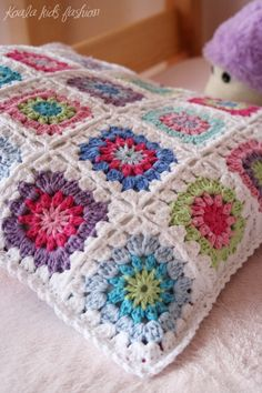 Granny Square Cushion - from Koala... I want to make this!! Love the colors!