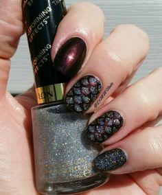 OPI Muir Muir On The Wall & Revlon Holographic Pearls #nails #nailart #naildesign