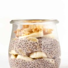 Here's 6 easy and healthy recipes for how to make CHIA PUDDING! These make delicious vegan, gluten-free breakfast ideas. Recipes with almond milk, strawberries, chocolate, coconut, you name it! SO yum. #chiapudding #chiapuddingrecipe #healthybreakfast Good Healthy Recipes, Healthy Breakfast Recipes, Whole Food Recipes, Healthy Snacks, Snack Recipes, Pudding Recipes, Vegan Recipes, Dessert Recipes, Healthy Eating