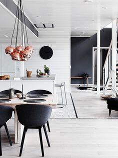 Jurnal de design interior - Amenajări interioare : Amenajare în alb și negru în Finlanda