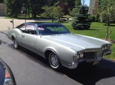 1968 Oldsmobile Delmont 88 Holiday 2 Dr Hardtop Coupe
