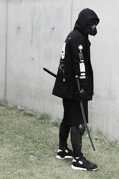 Goth style 134052526385874028 - Source by sincretic Dark Fashion, Urban Fashion, Mens Fashion, Urban Samurai, Mode Sombre, Streetwear, Cyberpunk Fashion, Action Poses, Pose Reference