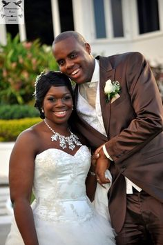 Awesome bridal necklace at award winning Jamaica destination wedding venue Hummingbird Hall.