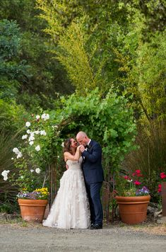 Looking for a magical fairy-tale wedding venue idea in wine country? Check out my Hans Fahden blog!
