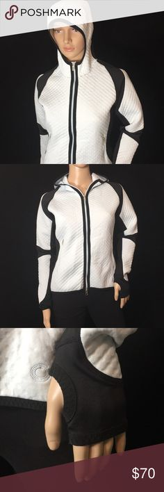 """Nike Sphere Zip Up Thermal Jacket • Sz S (4/6) Nike Sphere Jacket • Size S (4/6) • It is mint green and black • Thumb holes in sleeves • Hood is like a """"scuba"""" style • Has two zip pockets in front and one zip pocket at back waist area L Has a textured quilted look to it • Great for running Nike Jackets & Coats"""