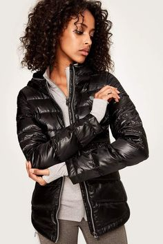 This Lole packable jacket is the most popular choice for travel thanks to its compact pouch. It's extremely lightweight & will keep you toasty warm. Slim fit Two front zip pockets Downglow What's Trending In Fashion, Nordstrom Sale, Packable Jacket, Black Puffer, Autumn Fashion, Women's Fashion, Cool Style, Jackets For Women, Jackets