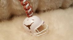 TEXAS LONGHORNS Football Helmet Paracord Keychain-New