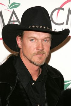 Trace Adkins Photos - Singer Trace Adkins attends the Annual Country Music Association Awards at Madison Square Garden November 2005 in New York City. - The Annual Country Music Association Awards - Arrivals Country Music Association, Academy Of Country Music, Country Music Awards, Trace Adkins, Mgm Grand Garden Arena, Cma Awards, Country Strong, Country Artists, American Country