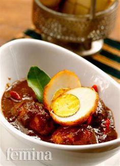 Telur Petis. 12 telur rebus 500 ml minyak, 2 serai, memarkan 3 daun jeruk 4 sdm…