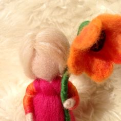 Waldorf inspired tiny flowergirl by SoriaMoriaWool on Etsy, kr200.00