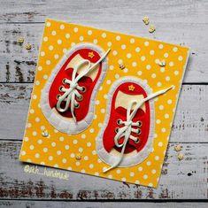Artesanatos com Moldes: Tênis para Criança Aprender a fazer Laço com molde. Diy Quiet Books, Baby Quiet Book, Mini E, Fabric Toys, Toddler Books, Felt Patterns, Book Quilt, Busy Book, Diy Toys