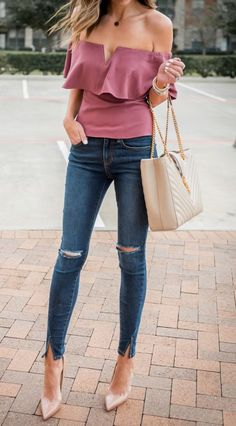 Casual Chic Style Outfits Dressing street fashion chic is an obsession for many, as they explore ways and means to look chic effortlessly, day in and day out. Mode Outfits, Fashion Outfits, Womens Fashion, Fashion Trends, Fashion Ideas, Ladies Fashion, Fashion 2018, Fashion Styles, Denim Outfits