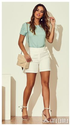 Crop Top And Shorts, White Shorts, Trajes Business Casual, Look Con Short, Moda Chic, Summer Outfits, Summer Dresses, Blouse Styles, Playsuit