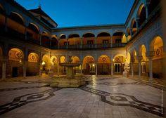 """¿Dónde estamos hoy?   Este palacio es una gloriosa combinación de los estilos renacentista italiano y el mudéjar español, y ha sido escenario de multitud películas, entre la que se encuentra la mítica """"Lawrence de Arabia"""".  ¿Sabes de qué edificio se trata?  (Foto: VisitaSevilla)"""