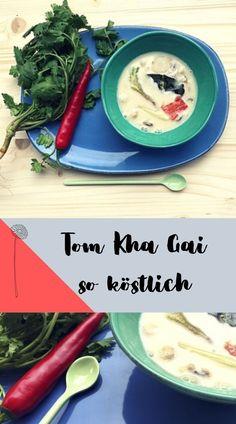 Suppen Rezepte abnehmen - Tom Kha Gai eine asiatische Low carb Suppe, die schnell und einfach ist, lecker schmeckt und wenig kalorien hat. So nimmst du schnell ab! Jetzt asuprobieren! Thai Restaurant, Nom Nom, Toms, Ramen, Blog, Tasty Vegetarian Recipes, Vegan Cheese Sauce, Fast Recipes, Blogging