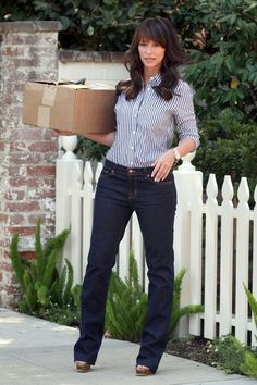 Jennifer Love Hewitt In J Brand Jeans