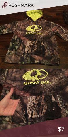 15126d87 Mossy Oak hoodie with front pocket size S/CH 6-7 Mossy Oak hoodie