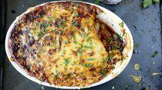 Hjemmelaget gresk moussaka med kjøttdeig og poteter