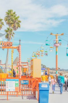 Beach Discover Candy-coloured funfair photography in pictures Rides and a chairlift in the fairground of Santa Cruz California photographed by Australian photographer Ben Thomas. Retro Wallpaper, Aesthetic Pastel Wallpaper, Aesthetic Backgrounds, Aesthetic Wallpapers, Bedroom Wall Collage, Photo Wall Collage, Picture Wall, Picture Collages, Collage Pictures