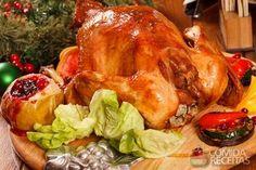 Receita de Chester assado com farofa de bacon e azeitonas pretas em receitas de aves, veja essa e outras receitas aqui!