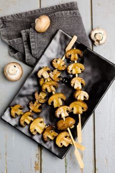 Balsamico-Champignon-Spieße vom Grill Grilled balsamic and mushroom skewers kuechenchaotin. Rub Recipes, Fun Easy Recipes, Steak Recipes, Grilling Recipes, Grilled Peach Salad, Grilled Peaches, Best Steak Seasoning, Tapas, Spicy Steak