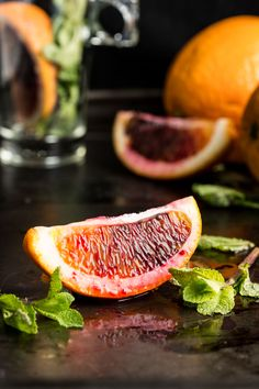 This calming fragrant fresh orange and mint tea is perfect for relaxing in the afternoon or evening. Let the natural flavour of the mint leaves infuse the water while you chill out! Yummy Drinks, Healthy Drinks, Vegan Starters, Mint Tea, Orange Tea, Tea Recipes, Detox Drinks, Fruits And Veggies, Vegetables