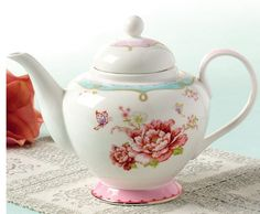 Enjoy your afternoon tea with this beautifully crafted teapot that's made of…