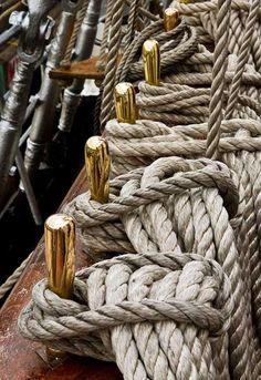 boat knots nautical * boat knots + boat knots how to ties + boat knots nautical Tall Ships, Catamaran, Kayaks, Grand Voile, Classy Photography, Sea Captain, Sail Away, Set Sail, Wooden Boats