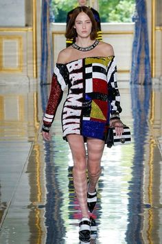 Balmain Spring 2019 Menswear Fashion Show Collection: See the complete Balmain Spring 2019 Menswear collection. Look 47 Vogue Fashion, Fashion Brand, Runway Fashion, Spring Fashion, Girl Fashion, Fashion Show, Fashion Outfits, Fashion Design, Seoul Fashion