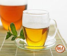 Hücre Yenileyici ÇayMalzemeler;    ➤ 1 su bardağı kaynar su  ➤ 1 yemek kaşığı yeşil çay  ➤ 1 çay kaşığı rezene  ➤ 1 tatlı kaşığı elma sirkesi  ➤ 1 çay kaşığı bal    Dıştan olduğu kadar içten de yenilenmek gereken bu dönemde, hücre yenileyici çay sizin için ideal. Kaynar suyun içerisinde yeşil çay ile rezeneyi karıştırın. Bal ve elma sirkesini de ekleyip, için.