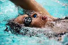 Swimming is a healthy form of aerobic exercise for asthmatic people. Swimming Benefits, Adaptive Sports, Workout Gloves, Best Swimming, Learn To Swim, Abs Workout For Women, Sports Images, Six Pack Abs, Diets For Women