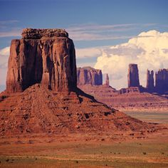 Another great shot of Monument Valley in southern Utah!