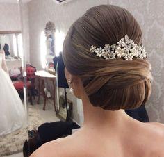 Wedding hairstyles updo princesses pretty hair Ideas for 2019 Elegant Wedding Hair, Elegant Updo, Wedding Hair And Makeup, Hair Makeup, Hair Wedding, Wedding Gifts, Wedding Nails, Trendy Wedding, Luxury Wedding