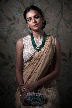 Latest Stylish Boat Neck Blouse Designs For Women - Buy lehenga choli online Blouse Back Neck Designs, Saree Blouse Designs, Sari Blouse, Saree Dress, Anarkali, Churidar, Patiala, Indian Attire, Indian Ethnic Wear