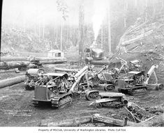 Caterpillar tractors and donkey engine at loading site, with flatbed railroad log cars and shack in background, Simpson Logging Company camp no. 1940 - Kinsey Brothers Photographs of the Lumber Industry, - University of Washington Digital Collections Vintage Tractors, Old Tractors, Logging Equipment, Heavy Equipment, Caterpillar Equipment, Bucyrus Erie, Old Photography, Old Trees, Big Tree