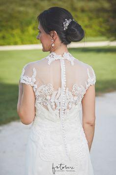 konty vékony hajhoz Wedding Dresses, Fashion, Bride Dresses, Moda, Bridal Gowns, Fashion Styles, Weeding Dresses, Wedding Dressses, Bridal Dresses