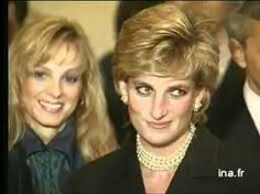 September 25, 1995: Princess Diana in France for Cezanne exhibition French President Jacques Chirac and his wife Bernadette..