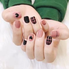 Mar 2020 - Even though you have short nails, you still can make your own nail art design. Try these ideas and be rewarded with beautiful nails. Stylish Nails, Trendy Nails, Cute Nails, Hair And Nails, My Nails, Bling Nails, Korean Nail Art, Black Nail Art, Pink Black Nails