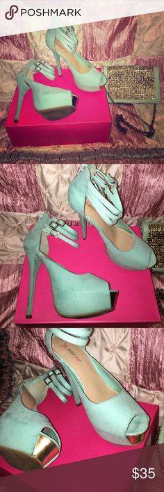 💚JustFab Mint Green High Heels 💚 JustFab Mint Green Suede High Heels Size 9 Only worn Once!! Perfect for Spring & Summer!! 👠👗  **MAKE ME AN OFFER** JustFab Shoes Heels
