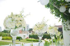 Outdoor Wedding via Kara's Party Ideas KarasPartyIdeas.com The Place for ALL THINGS PARTY! #outdoorwedding #gardenwedding #weddingdiningtable #whiteweddingtable #weddingplanning (12)
