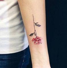 tatuajes para mujeres a color rosa