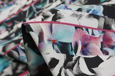 Split Image - Stretch Cotton - Tessuti Fabrics - Online Fabric Store - Cotton, Linen, Silk, Bridal & more