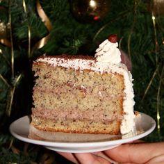 cake , nut cake , nut cake , Apfelmuskuchen Nusstorte Rezept Lean back or nut nougat cake - Gebrannte Mandeltorte 8 A new version of the beloved Boston Cream Pie. Mini Chocolate Chips, Chocolate Cake, Easy Cookie Recipes, Cake Recipes, Vanilla Coffee Cake Recipe, Strawberry Desserts, Strawberry Roses, Blueberry Recipes, Healthy Cake