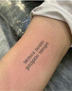 Raul William no Inst Small Henna Tattoos, Little Tattoos, Mini Tattoos, Love Tattoos, Unique Tattoos, Tatoos, Anchor Tattoos, Feather Tattoos, Piercing Tattoo