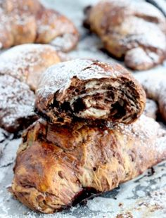 SERNIK KOKOSOWY Z BIAŁĄ CZEKOLADĄ BEZ PIECZENIA Croissants, Churros, Ale, Deserts, Bread, Baking, Recipes, Foods, Interior