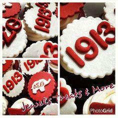 Delta Sigma Theta cupcakes