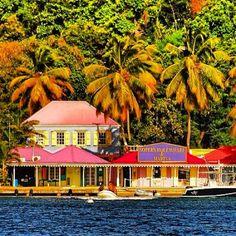 Au coeur des #Caraibes, dans les Iles Vièrges Britanniques venez découvrire #tortola, avec Croisières de France !
